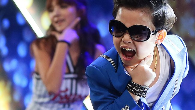 Hwang Min Woo, tiểu Psy.