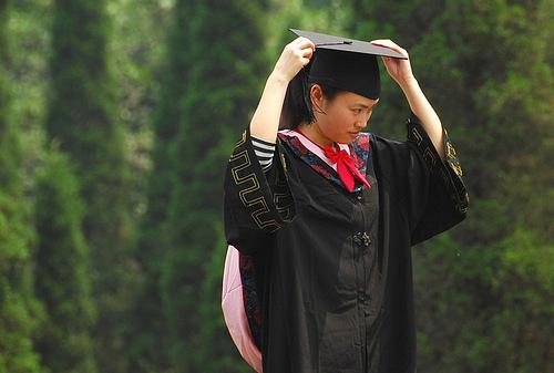 Sinh viên TQ vừa tốt nghiệp ddaji học. Nguồn: faungg's photo/Flickr
