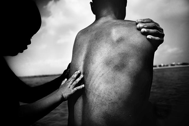 Giải Nhất - thể loại cuộc sống hàng ngày -The World Press Photo 2007. @ Justin Maxon, Hoa Kỳ.