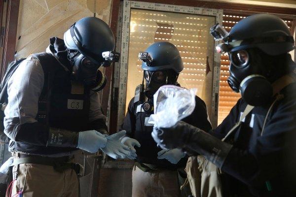 Lược lượng kiểm soat vũ khí hoá học tại Syria. Nguồn: Reuters
