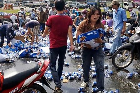 Hôi bia tại Biên Hoà. Nguồn:  tinngan.vn