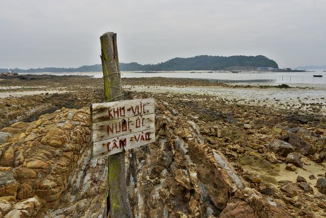 Bờ biển Việt Nam có hàng ngàn kho tàng dưới nước nhung đa số đã bị dân nghèo lấy cắp. Nguồn: Gavin White