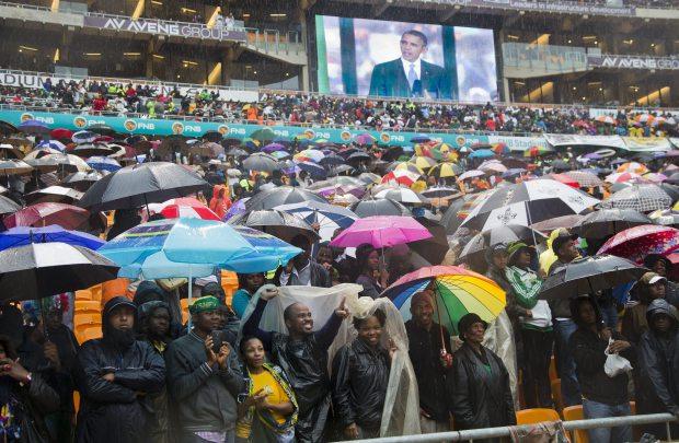 Tổng thống Mỹ Obama trong lễ truy điệu Nelson Mandela ngày 10/12/2013 tại Sweto (gần ...). Nguồn: AP Photo/Evan Vucci