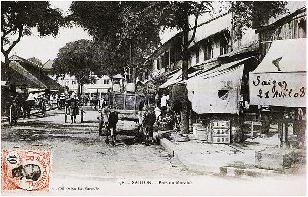 VIETNAM - COCHINCHINE - SAÏGON - Près du Marché đường bên phải là rue Vannier, sau này là Ngô Đức Kế. Chữ viết tay trên hình ghi ngày 21 Avril 1908. Nguoogn flickr.com/manhhai