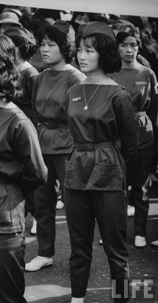 Đoàn viên Thanh nữ Cộng hòa Ngô Đình Lệ Thủy.Nguồn: Larry Burrows/Time Life Pictures/Getty Images