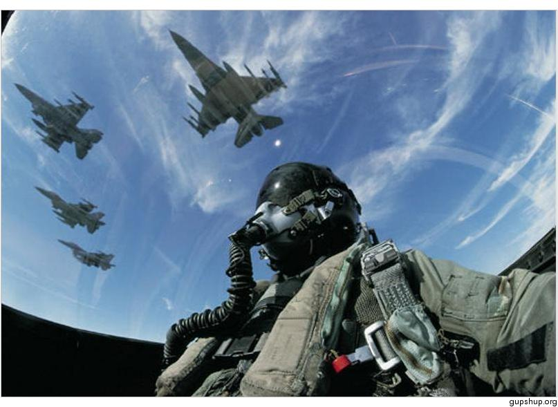 Phản lực cơ F-16. Nguồn: uncyclopedia.wikia.com/