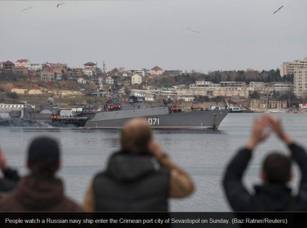 Tàu chiến của Nga trên đường đến Crimea. Nguồn: (az Ratner/Reuters