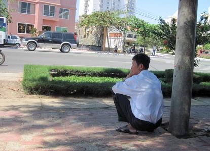 Vẫn ngồi xổm (Việt  Nam, thế kỷ XXI)