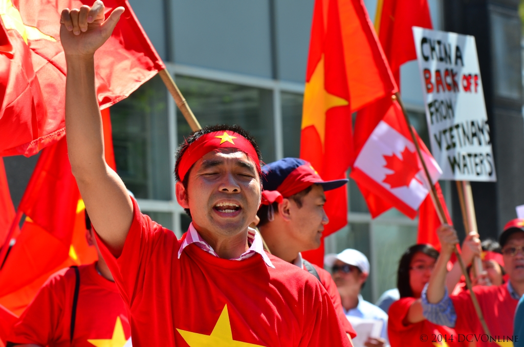 Montreal, cờ đỏ. Nguồn: DCVOnline