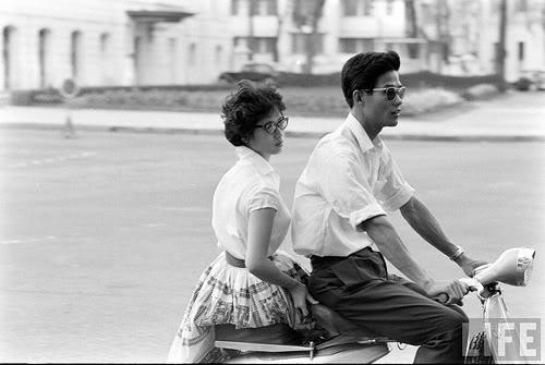 Sài Gòn trước 1975: Trai thanh, gái lịch. Nguồn: TIME