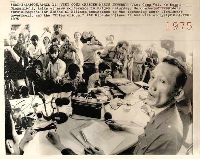 Đại tá VC Võ Đông Giang, Phó trưởng đoàn quân Giải phóng miền Nam tại Ban liên hiệp quân sự 4 bên và 2 bên ở Tân Sơn Nhất. Nguồn AP