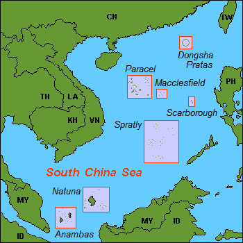 Quần đảo Hoàng Sa (Paracel, Trung Quốc gọi là Xisha [Tây Sa]), bãi Macclesfield (Trung Quốc gọi là Zhongsa [Trung Sa]), quần đảo Trường Sa (Spratly, Trung Quốc gọi là Nansha [Nam Sa]) trên Biển Đông. Nguồn:  Wikipedia.org