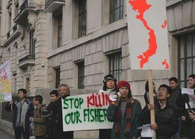 Biểu tình choosnh Trung Cộng giết ngư dân VN.