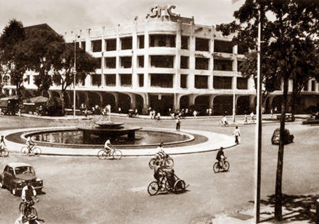 GMC với 3 tầng lầu vào năm 1942.