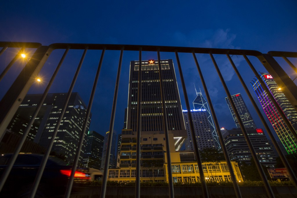 Trụ sở chính của Quân đội Giải phóng nhân dân ở trung tâm Hồng Kông. Reuters / Tyrone Siu