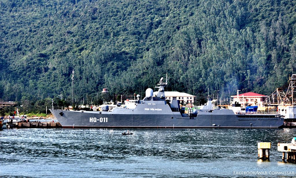 Tàu khu trục Đinh Tiên Hoàng (HQ-011) cập bến cảng Tiên Sa, Đà Nẵng. Ảnh: Facebook/War Commmissar