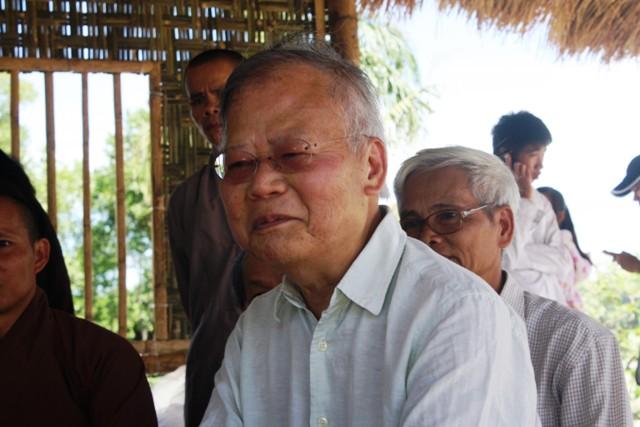 Cao Huy Thuần –  tham dự Tuần Văn hóa Phật giáo tại Nghệ An, 8/2012. Nguồn:  lieuquanhue.vn