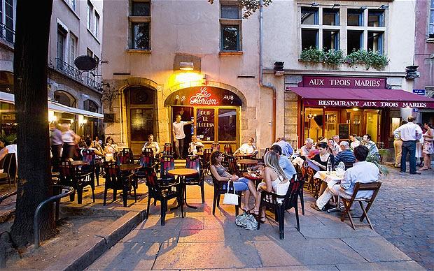Cafe Terasse ở Lyon. Nguồn: CORBIS
