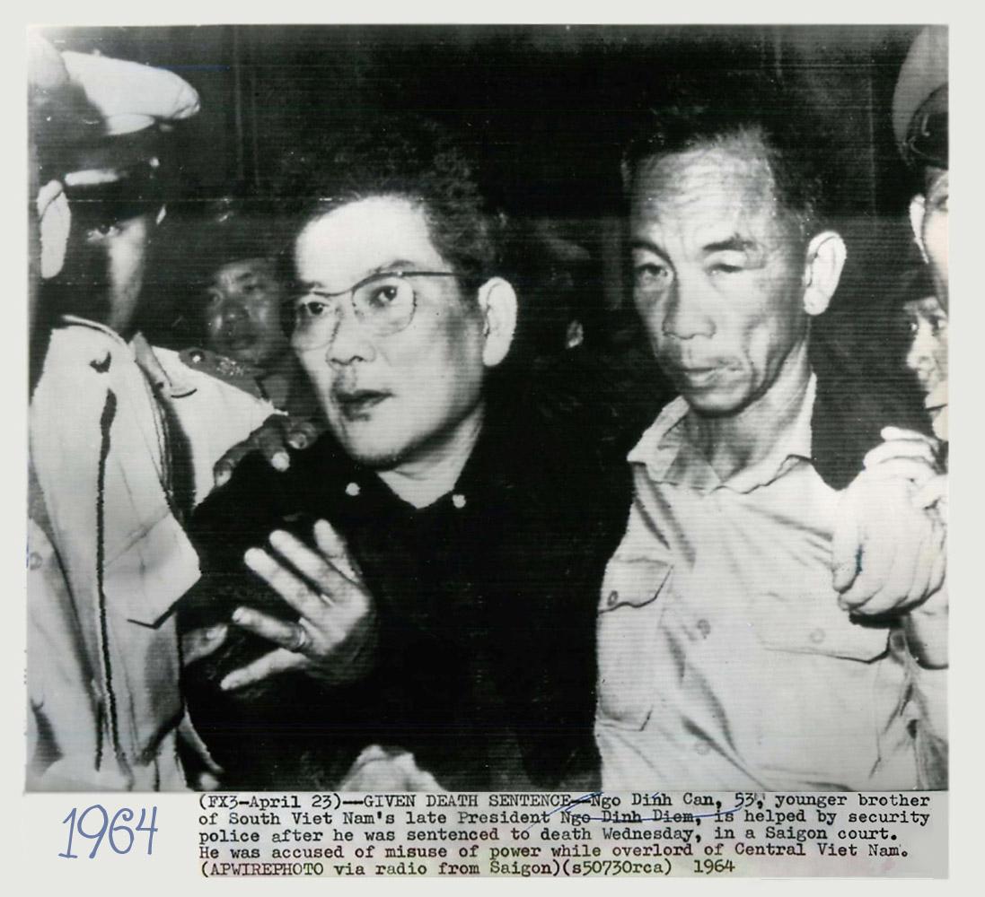 Ông Ngô Đình Cẩn ở tòa án quân sự tại Sài Gòn. Nguồn AP.