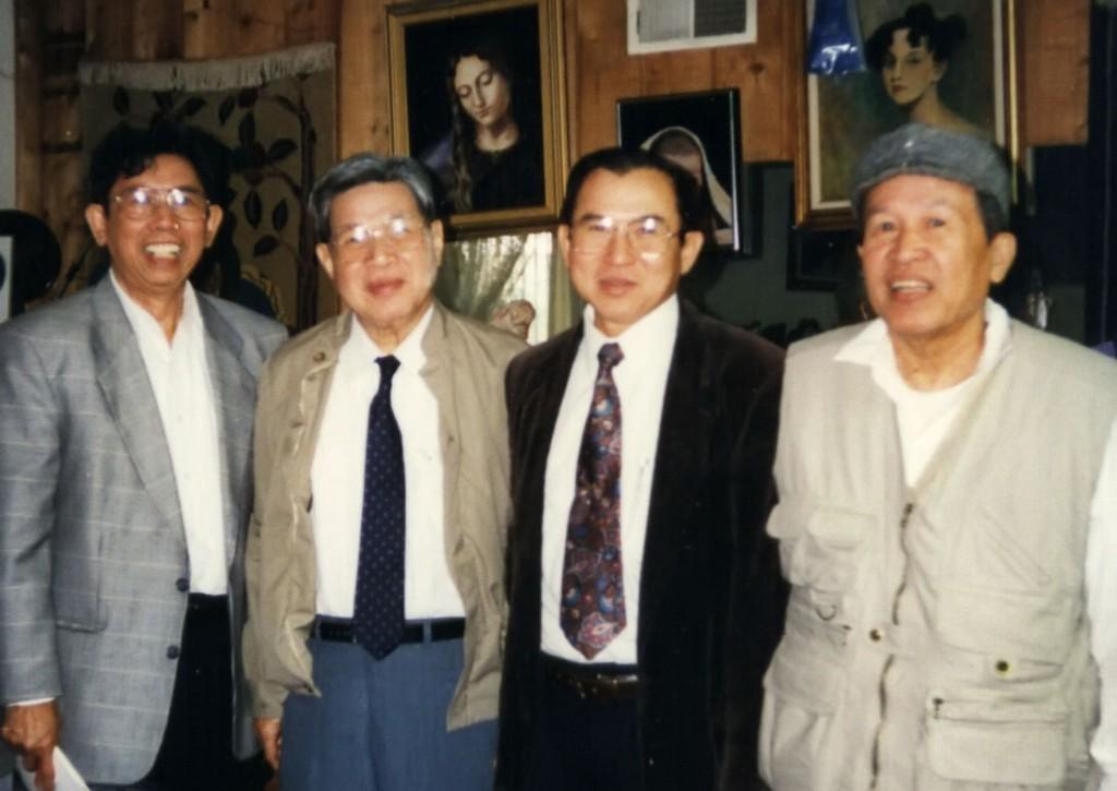 Anh Lê Ngộ Châu trong chuyến thăm California 1994 từ trái: Đỗ Hải Minh / Dohamide, Lê Ngộ Châu, Ngô Thế Vinh, Võ Phiến