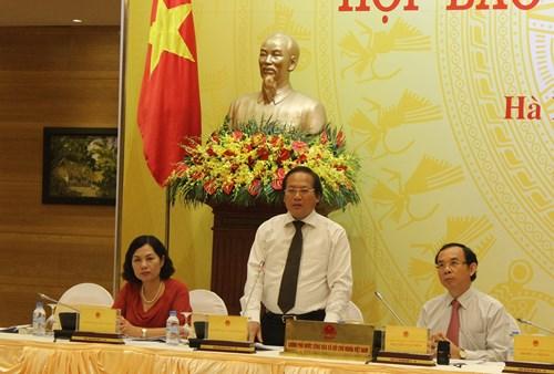 Thứ trưởng Trương Minh Tuấn thông tin về các hoạt động bất hợp pháp của Trung Quốc tại quần đảo Trường Sa của Việt Nam. ảnh: Ngọc Quang.
