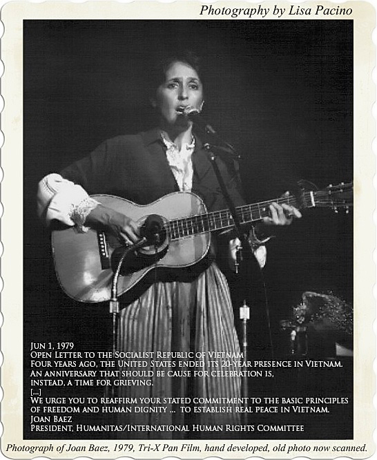 Ca sĩ Joan Baez, một nhân vật phản chiến nỏi tiếng viết thư cho chính quyền CSVN yêu cầu tôn trọng nhân quyền 4 năm sau ngày  đợt soang người bỏ nước ra đi trốn cế độ cộng sản.
