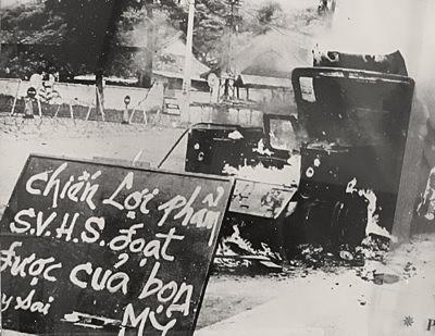 Phong trào đót xe của sinh viên học sinh Saigon, thập niên 1960. Nguồn: OntheNet