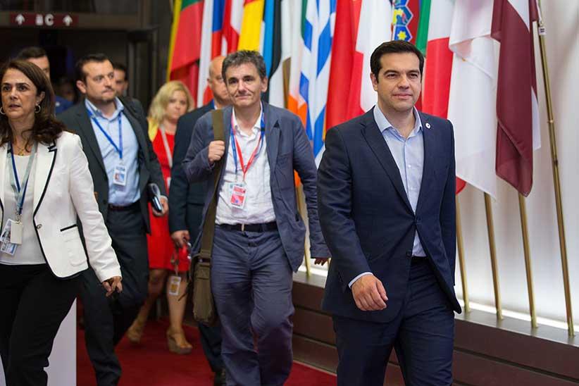 Thủ tướng Hy Lạp Alexis Tsipras (bìa phải) . Nguồn ảnh: Jasper Juinen / Bloomberg / Getty Images