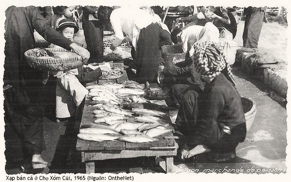 Chợ Xóm Củi, Quận 8, Sài Gòn 1965. Nguồn: OntheNet