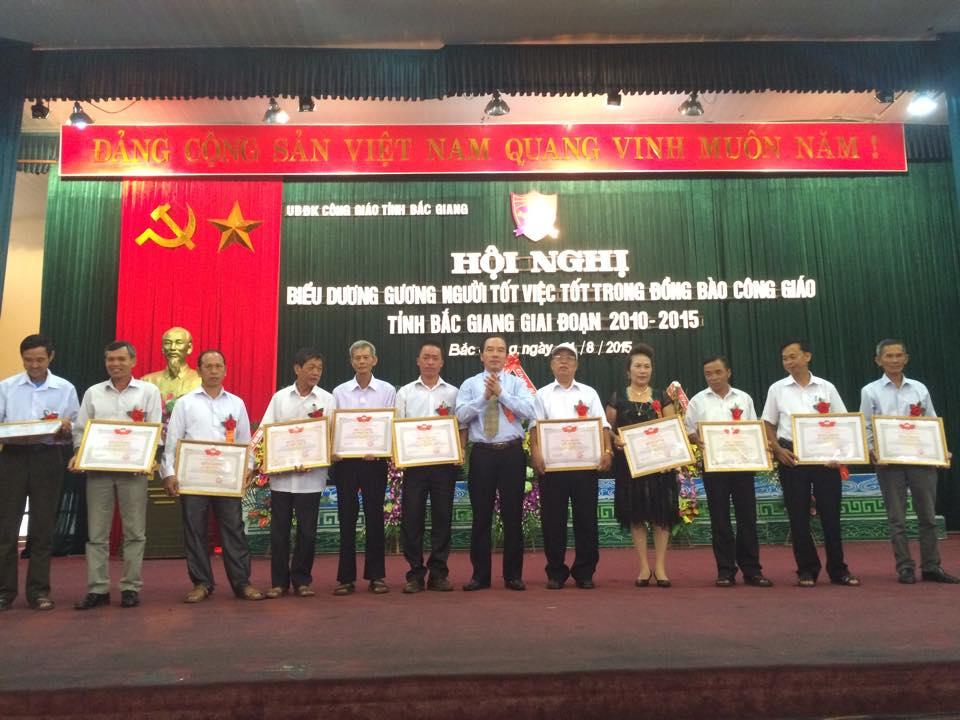 Hội nghị biểu dương gương người tốt, việc tốt trong đồng bào Công giáo, giai đoạn 2010 - 2015, Bắc Giang. Nguồn: ubdkcgvn.org.vn