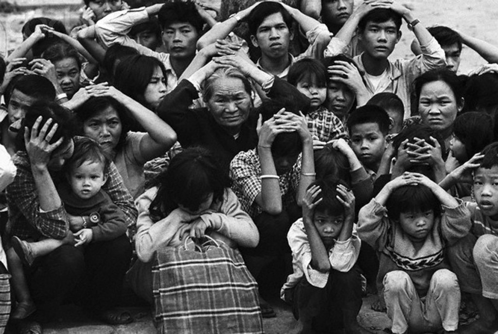 03 Feb 1968, Hue --- Terrified Vietnamese Civilians in City of Hue 1968 --- Image by © Bettmann/CORBIS