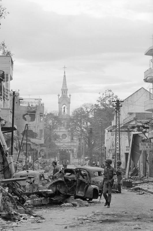 Nhà Thờ Cha Tam ở Chợ Lớn, Tết Mậu Thân 1968. Nguồn: OntheNet