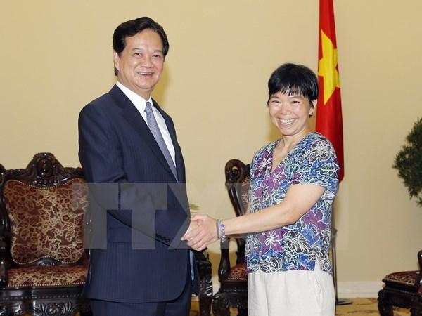 Thủ tướng Nguyễn Tấn Dũng tiếp giáo sư Lưu Lệ Hằng. (Ảnh: Đức Tám/TTXVN)(12)