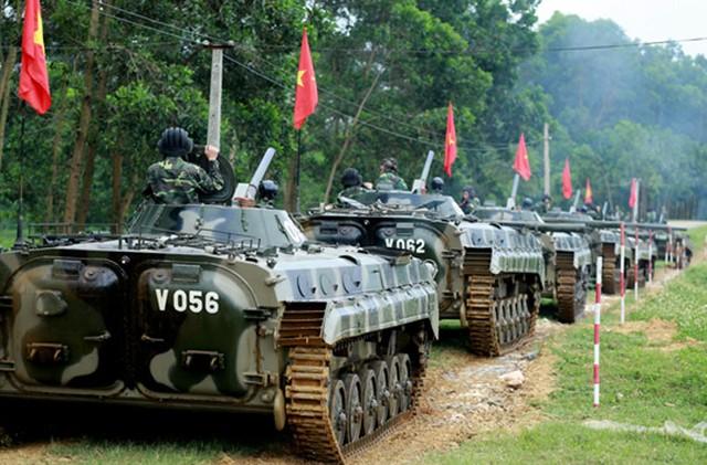 Đội hình xe chiến đấu bộ binh BMP-1 của sư đoàn 308. Nguồn soha.vn