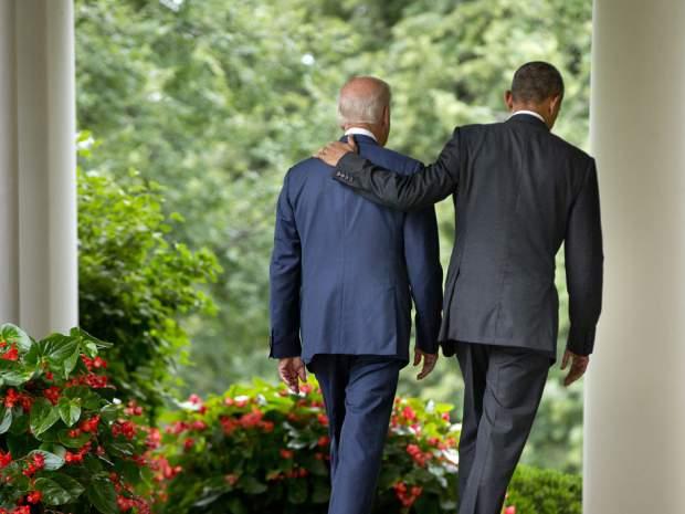 Hai người bạn đi dạo trong Nhà Trắng. Nguồn: Pablo Martinez Monsivais / Associated Press