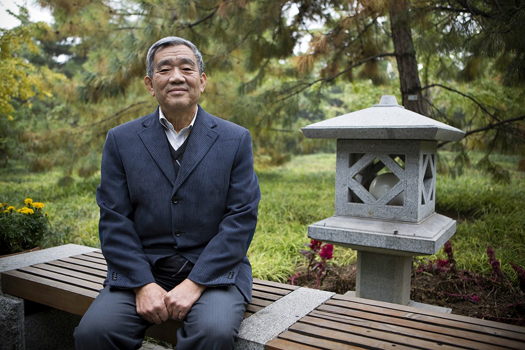 Dương Kế Thằng ở Công viên Tuetan, Bắc Kinh. Nguồn:  Adam Dean/Panos.