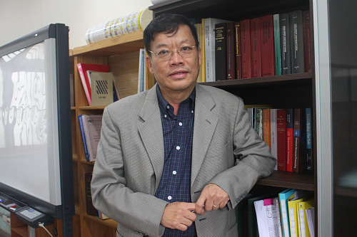 Tam Tran, Professor, Dept. of Energy and Resource Engineering. Nguồn: http://tribune.cnumedia.com/