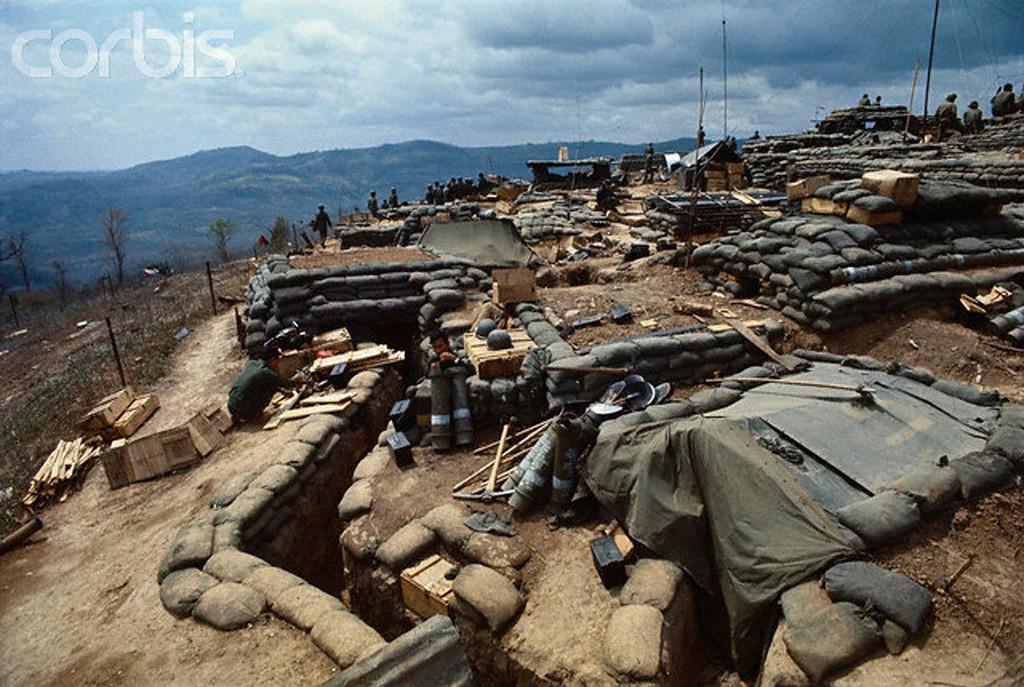 13 Mar 1971 | QĐ VNCH xây dựng căn cứ yểm trợ hoả lực  Delta One, 9 dặm trong đất Lào. Nguồn: © Bettmann/CORBIS