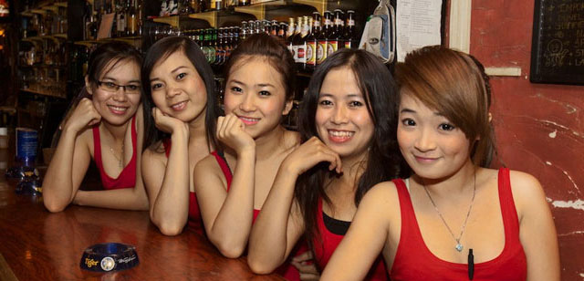 Chiêu đãi viên quán bar tp Hồ Chí Minh. Nguồn: www.bargirlfriendlyhotels.com/Vince