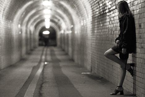 Ánh sáng cuối đường hầm? Nguồn ảnh: mindthis.ca